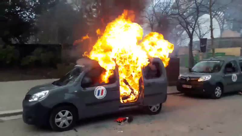 🔺DIRECT INFO🔻voiture Vigipirate en feu !