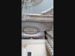 Натяжные потолки в большом доме