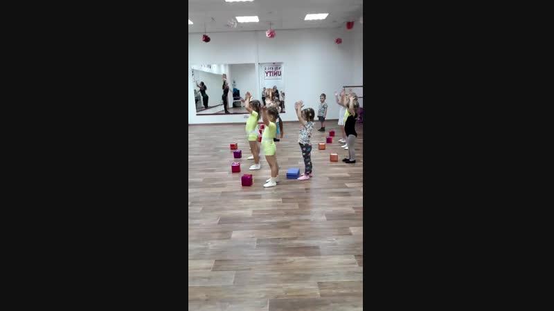 Самые маленькие танцовщицы