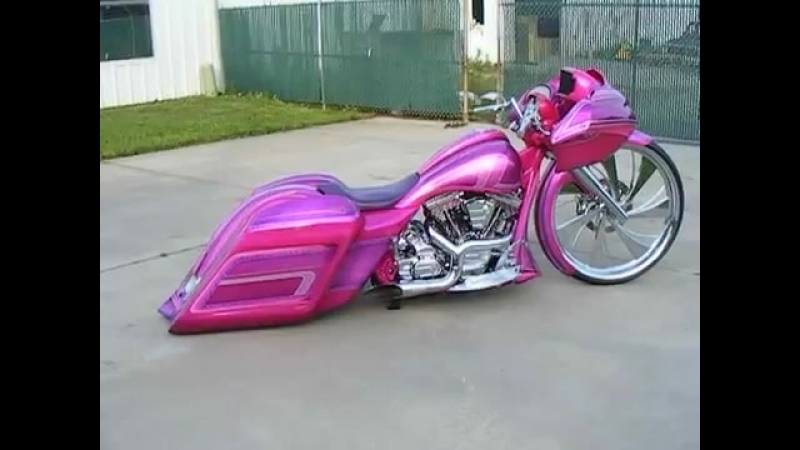 Girl Baggers Custom Cycles LTD pink 30 inch Road glide Cand