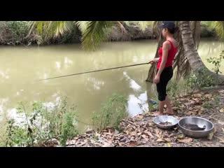 Best girl fishing for huge catfish_001.mp4