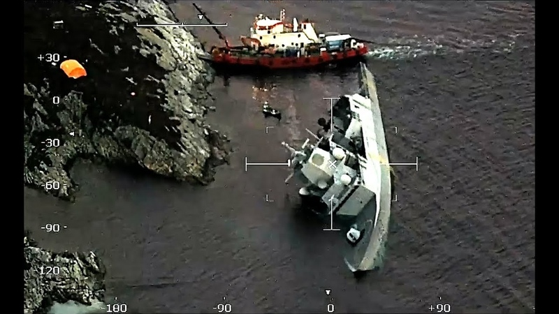 NATO Фрегат ВМС Норвегии HNoMS Helge Ingstad F313 с пробоиной в корме после столкновения с танкером SOLA TS :( 09.11.2018