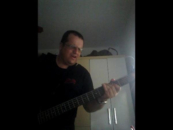 Fearless Pink Floyd Golden masterpiece legendary bass cover