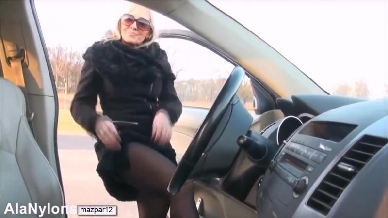 Старые_худые_женщины_суют_предметы_себе_в_писю_не_секс_не_порно
