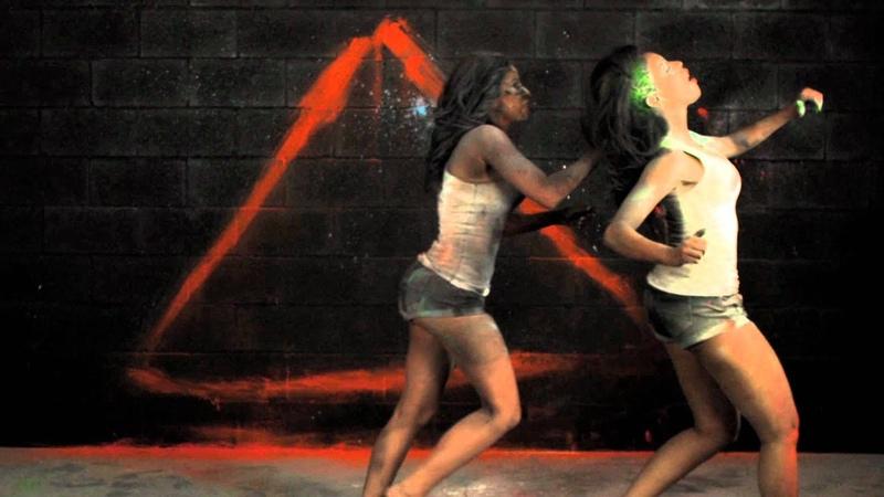 Yo Gotti Gucci Mane, Juelz Santana - Colors Blind (Official Music Video 12.04.2012)