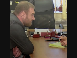 Сенатора Арашукова допрашивает следователь