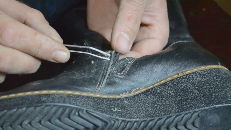 Как правильно установить бегунок (собачку) на молнию в обувь пример № 3