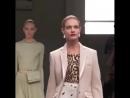 Топ Модели Наталья Водянова Ирина Шейк и Кендалл Дженнер на показе Burberry в Лондоне