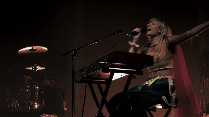 Aurora sings The Lion King Live In Cologne 19.10.2