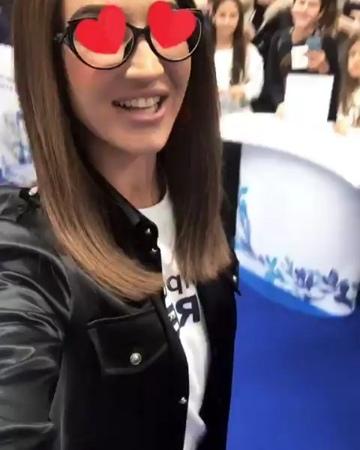 """ВладТайм on Instagram """"Бузову нагло облапали фанаты Бузова ВладТайм"""""""