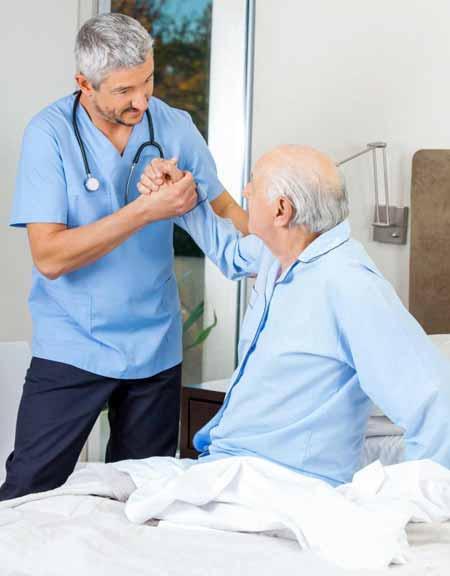 Пациенты, страдающие остеохондрозом, могут испытывать снижение диапазона движений