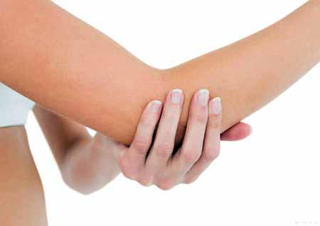 Болезнь Паннера, которая поражает локоть, часто связана с остеохондрозом.
