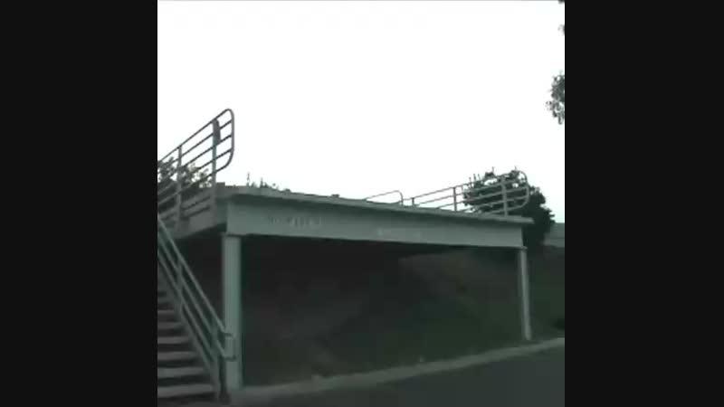 Скейтборд против машины