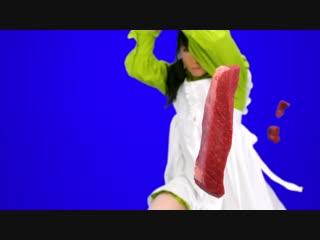 【ロングver.】「メイド抜刀術」で話題の剣術家・滝沢洞風がカレー材料を真剣でスパッ!/パチンコ「CR喰霊-零-」PR映像[1]