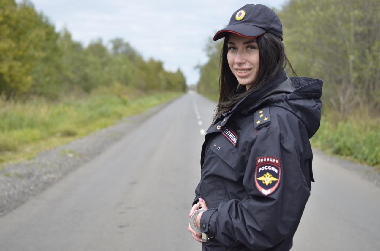 Бывшая сотрудник полиции.  (  7 фото  )