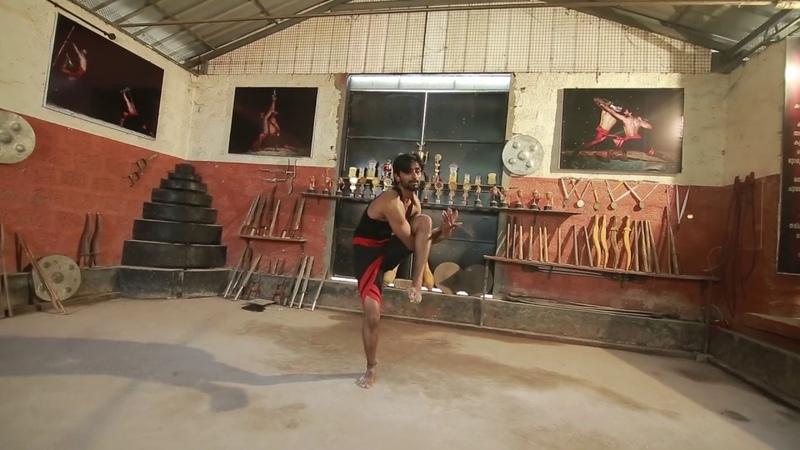 Stick Rotation(vadi veeshu) in kalaripayattu Demonstration single and double stick.