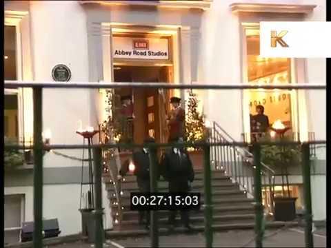 1990s Abbey Road Studios, Fans Outside