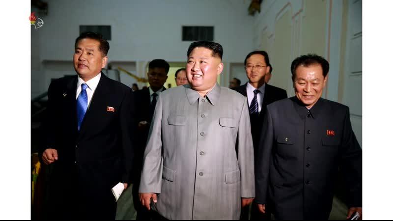 경애하는 최고령도자 김정은동지께서 강계뜨락또르종합공장을 현지지도하시였다