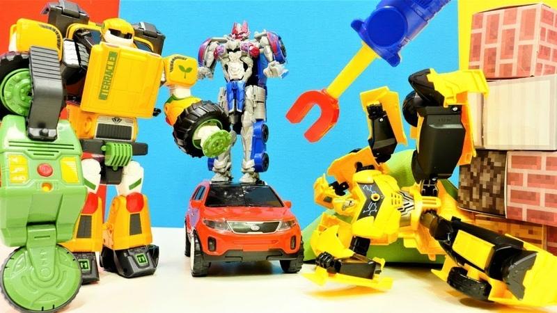 Transformers oyuncakları! Autobotlar ve araba oyunları!