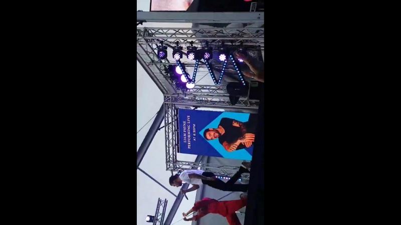 Liam Payne France INFO Liam chantant FirstTime pour la première fois en live au TAB Everest au