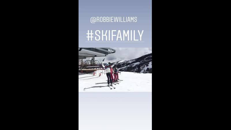 Ayda Field Williams Instagram 01-04-19