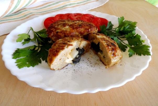Мини-котлетки с сыром и маринованными грибами