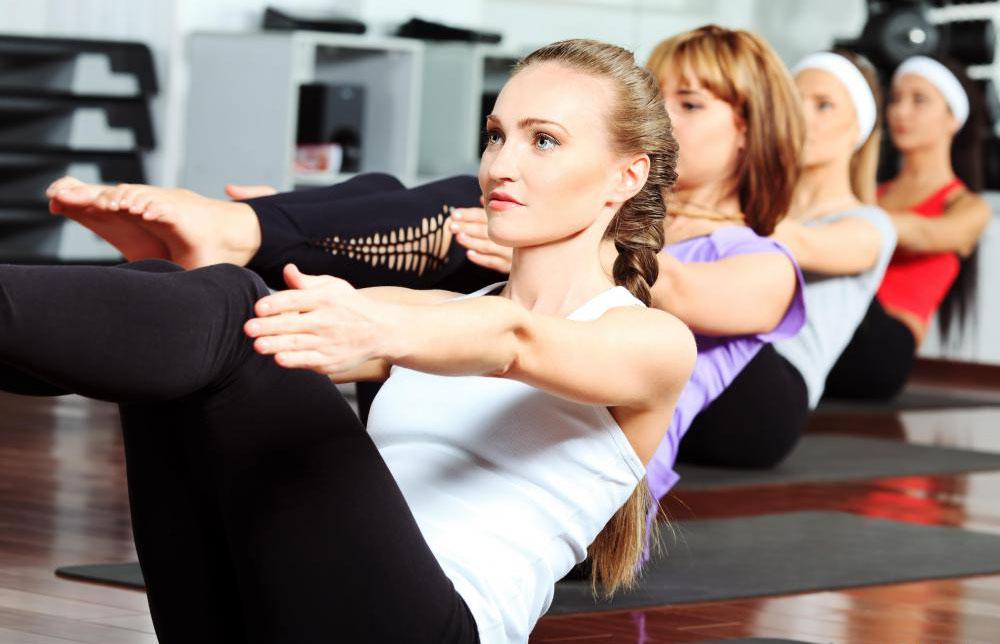 В некоторых студиях бикрам-йогу называют «горячей йогой».