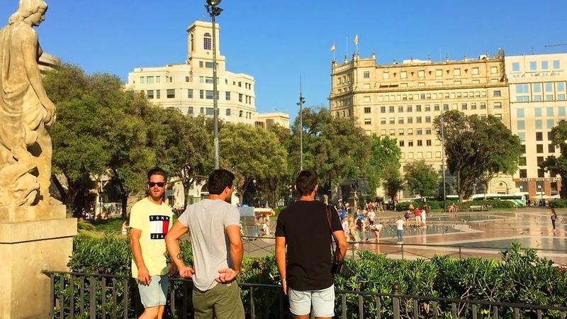 Walking Barcelona : Plaza de Cataluña - Main City Square : Spain