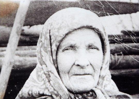 в селе буб, в 200 км от перми, установлен памятник простой крестьянке матрене ивановне. во время войны, чтобы помочь фронту, она продала все что имела.простая крестьянка вместе со своим мужем