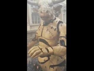 Минотавр в городе Тулуза от «La Machine» (VHS Video)