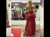 Виктория Сайфутдинова. Дефиле в платье.
