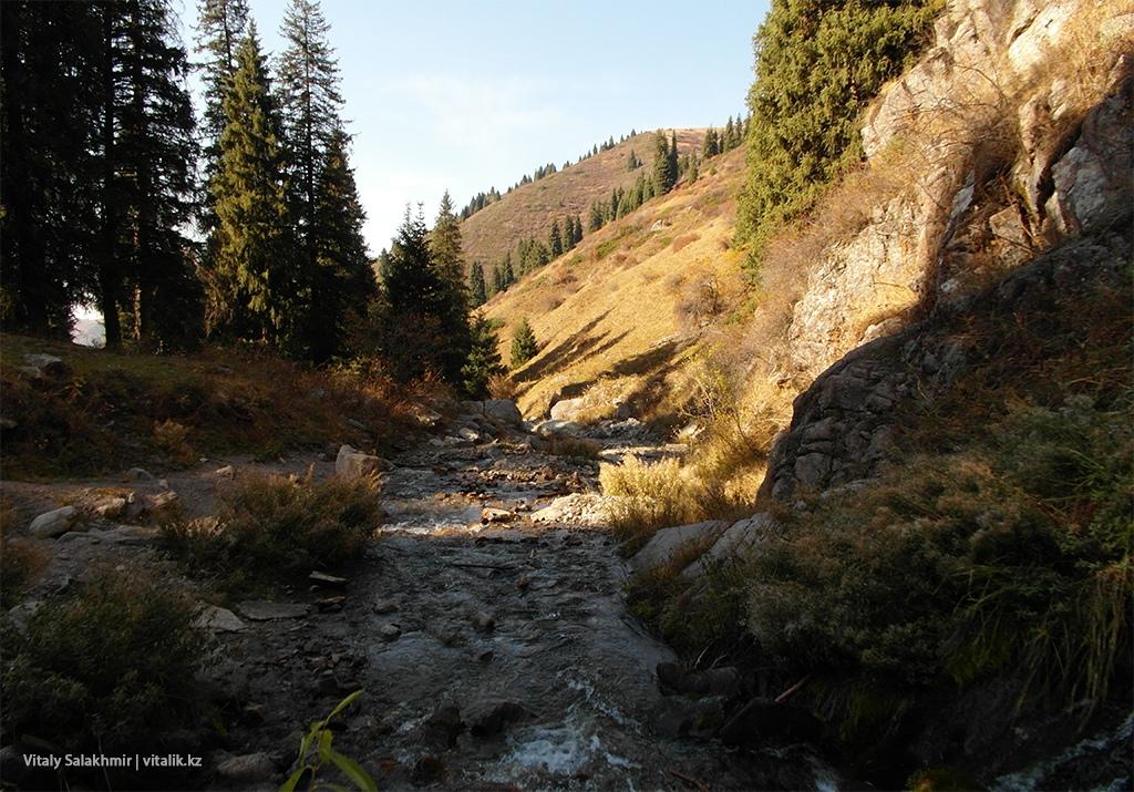 Речка у Бутаковского водопада