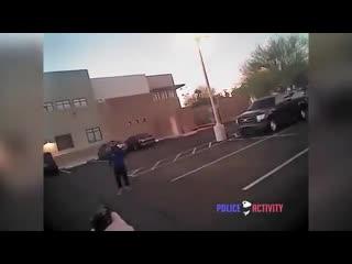 В США 18-летний Исмаил Хамед получил порцию свинца, после попытки нападения с ножом на сотрудника полиции.