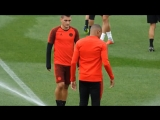 Marco Verratti tried to use a sprinkler to prank Kylian Mbappe in training... - - But the