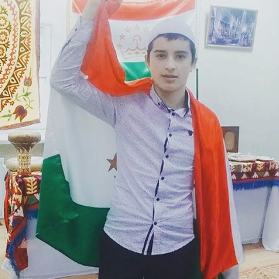 Оятулло Махмадов