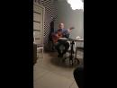 Бобров. поёт