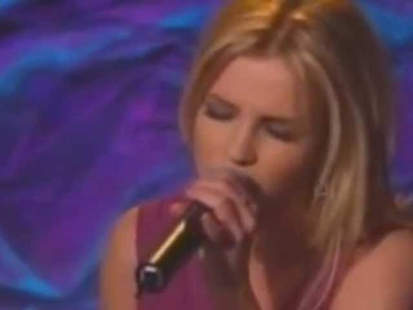 Britney Spears - I'm Not a Girl, Not Yet a Woman (LIVE) 2002 *best live vocals*