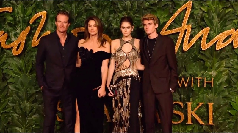 Kaia Gerber with mom Cindy Crawford, brother and father to British Fashion Awards 2018