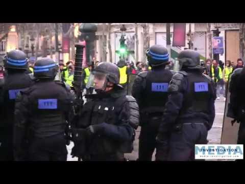 Affrontements avec les gilets jaunes : la police quitte les Champs-Élysées subitement !