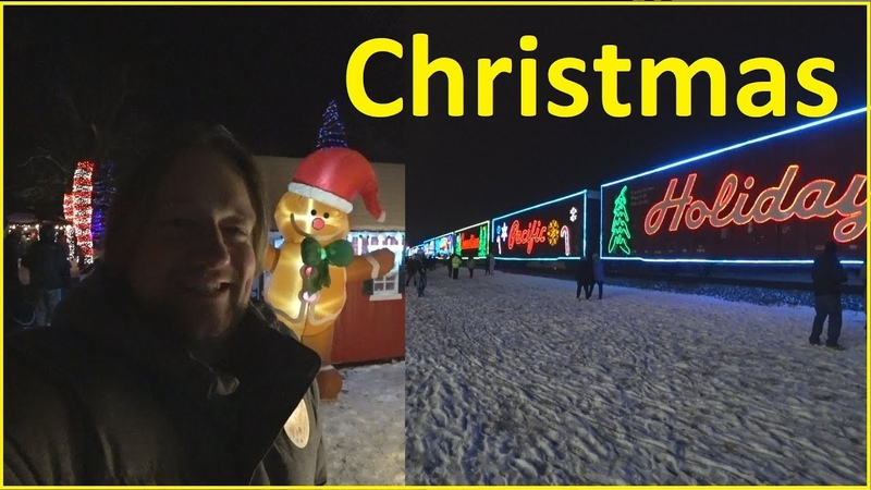 Рождественский поезд и деревня Украшения к празднику