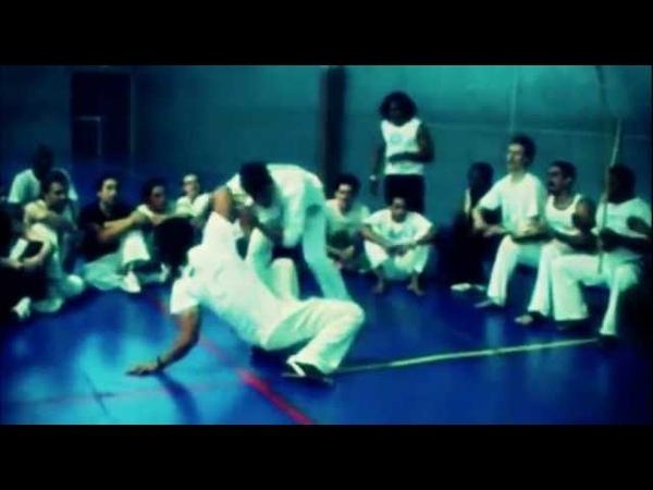 Mestre camaleao e poncianinho jogo de capoeira angola e regional. Roda Marseille