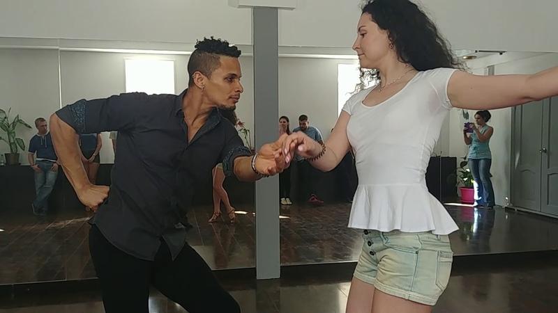 Открытый урок по БАЧАТЕ в студии танцев Ипанема