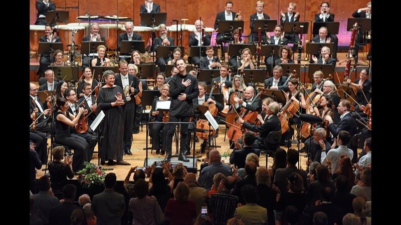 Teodor Currentzis' Antrittskonzert beim SWR Symphonieorchester mit Mahlers Sinfonie Nr. 3
