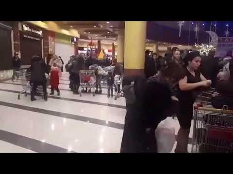 сообщение об эвакуации в ТЦ Аура
