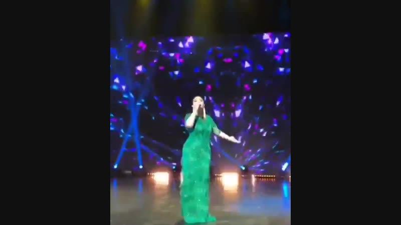 Алтынай Жорабаева казахстанская певица исполнила песню собственного сочинения о компании Гринвей.