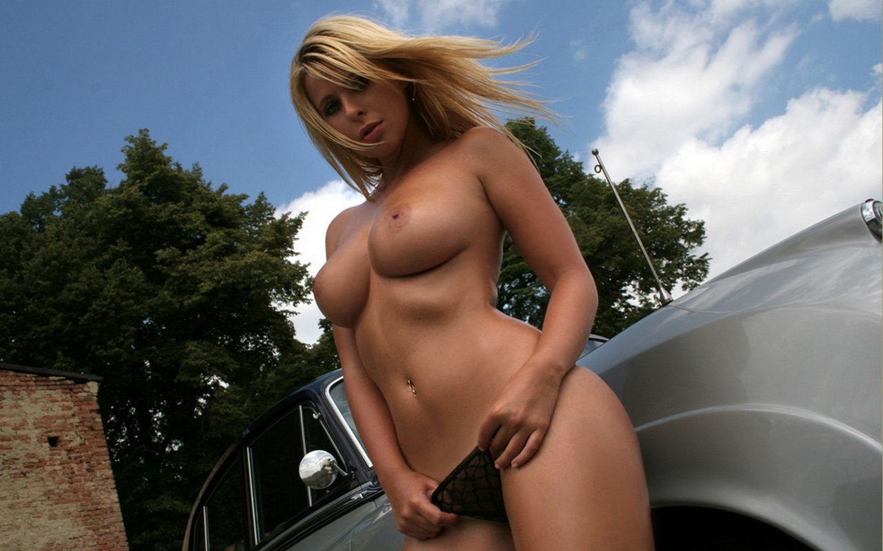 Amateur blonde masturbation nylon solo