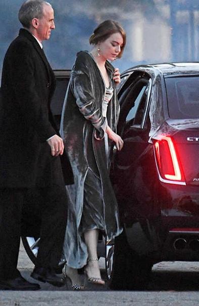 СМИ: Дженнифер Лоуренс и Кук Марони поженились Церемония прошла в старинном особняке Belcourt CastleСегодня утром западные СМИ облетела сенсационная новость: 29-летняя актриса Дженнифер Лоуренс