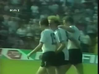Евро-1984. Руди Фёллер (ФРГ) - мяч в ворота сборной Румынии