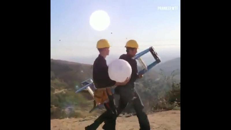 удивительный (Leo Sander Siempre innovando con sus videos )