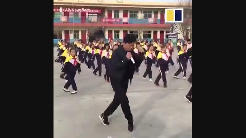 Директор школы в Китае обеспокоен избыточным весом у детей